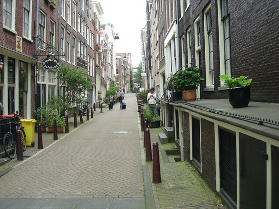 Small hotel Regal in Amsterdam narrow lane