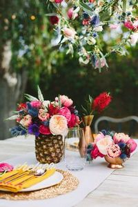 Table arrangement for wedding in tropics